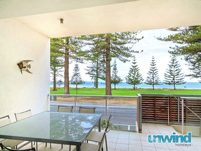 Photo for Breeze Beachfront Apartment no 8