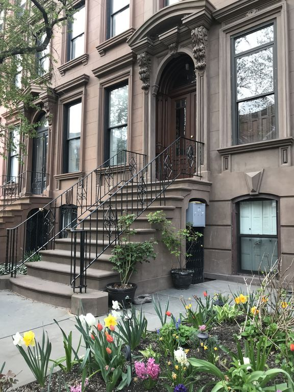 Location Brownstone One Bedroom Apartment In Prospectheights Prospect Heights