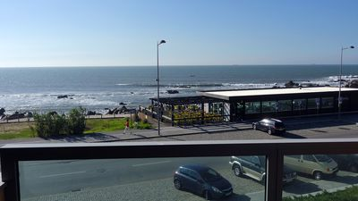 Photo for Beachfront apartment with spectacular sea views. (WILLOWERS)