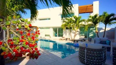 Photo for 4BR Villa Vacation Rental in Georgetown, Great Exuma