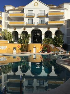 Photo for Spacious 2 bedroom apartment, great pool, 150m from beach, part of Alanda Club