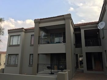 Photo for Tntee Apartments - In Roodepoort (Greater Johannesburg Metropolitan Area)