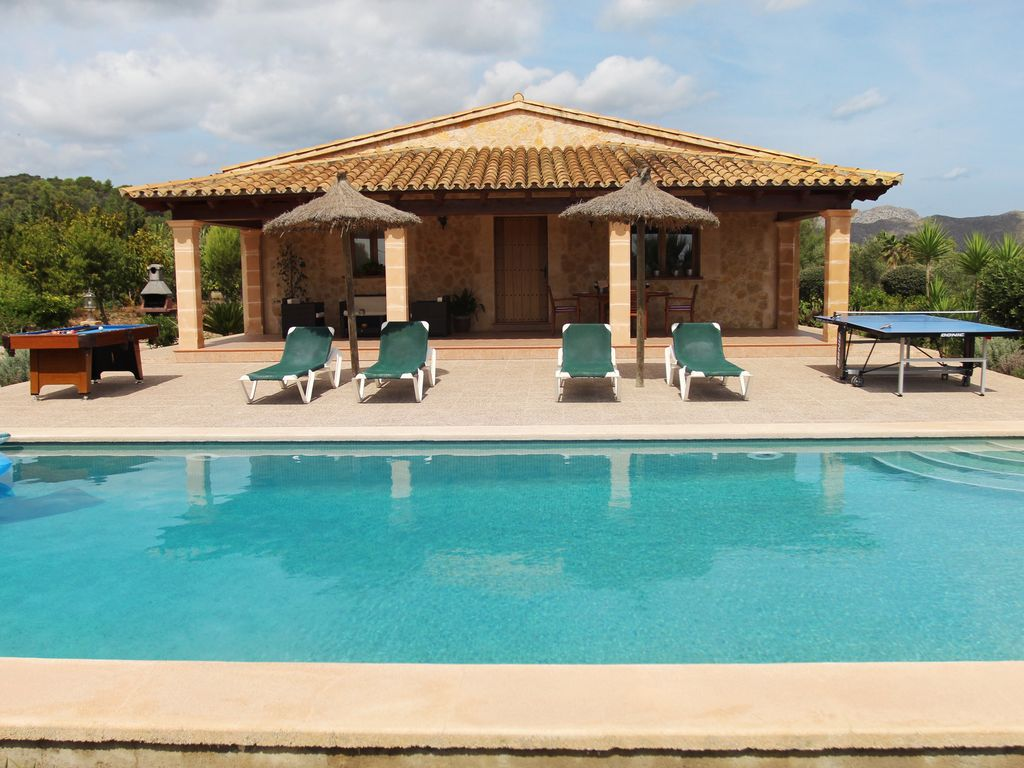 Perfect Beautiful Villa For 4 People With Private Pool And Jacuzzi. Pollença  District Villa Rental