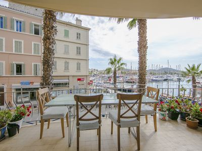 Photo for 2 or 4 Bed apartment with balcony overlooking port