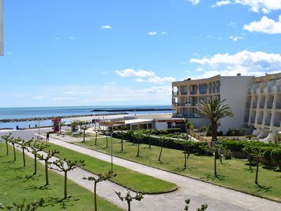 Photo for Palavas-les-It introduces a Nice apartment F2 frontline sea views and pond