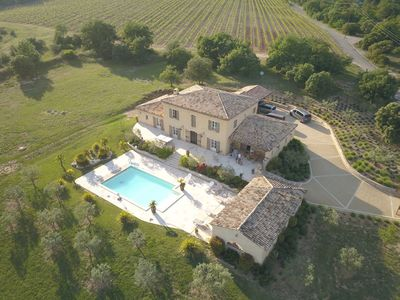 Photo for Superb country house in the heart of a vineyard