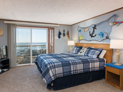 Photo for Sand Dollar - Oceanfront, Fireplace, King Bed, balcony, Kitchenette, Wifi