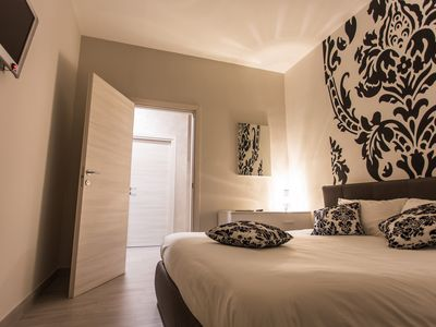 Photo for Damascus-room apartment for 7 people in Lonato