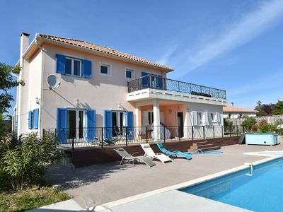 Photo for Villa with air conditioning, private heated pool, jacuzzi in a walking area near the sea