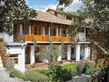 Suite Estrella with beautiful gardens in Historical Quito