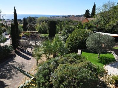 Photo for Beautiful Provencal sea view, garden 1500 m2 spa, 2-5 Pers