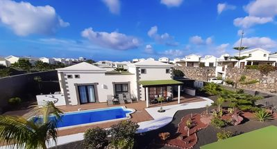 Photo for Luxurious Villa in Playa Blanca, very quiet