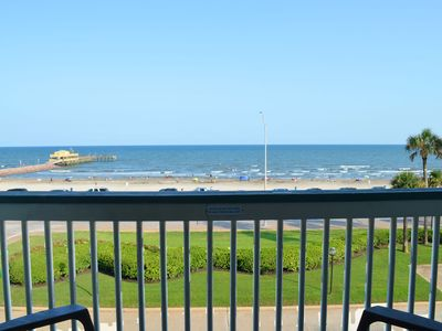 Photo for BRAND NEW, TOP floor, FRONT row!! AMAZING View - 2 Pools, Easy Beach Access, Tons Provided! #351