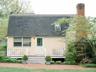 Photo for Charming Cottage at Spotswood Lodge