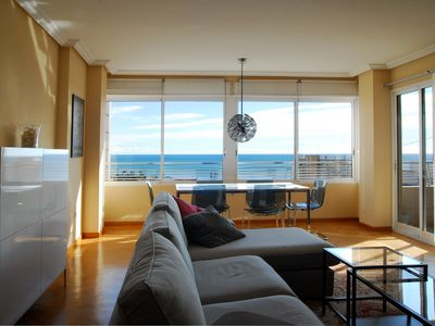 Photo for Apartment 4 bedrooms, central, 200 m. the sea, 400 m from the center.