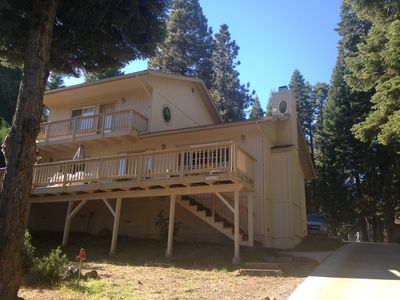 Photo for Lake Almanor Vacation Home - sleeps 6, country club, large lot, lake view, golf