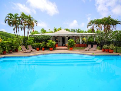 Photo for Villa with pool and ocean view (MQRO08)