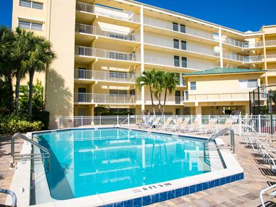 Photo for Top floor condo, steps away from JW Marriott and Beach Access!!