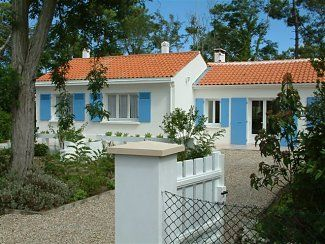 Photo for Spacious Villa on Ile D'Oleron, Bordering Pine Forest