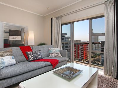 Photo for Icon@CTICC - modern, aircon, pool, gym - Unlimited WIFI