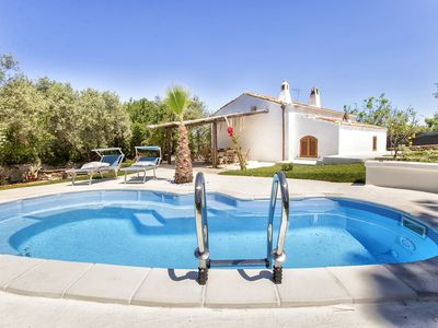 Photo for Villa with private pool, 3 bedrooms, near beach 3 km from Alghero
