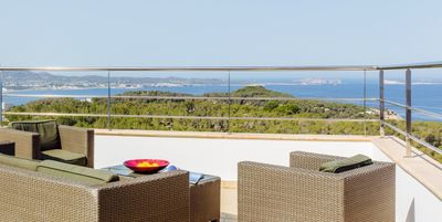 Photo for Dreamlike Luxury Villa with Sea View, Pool, Rooftop Terrace & Wi-Fi
