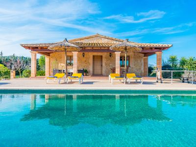 Photo for Traditional villa with a private pool, Wi-Fi, garden and terrace