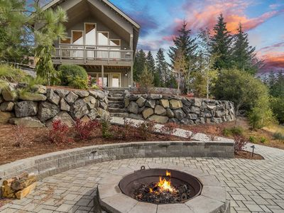Photo for SAVE 25%! Luxury Mountain Hm Nr Suncadia-AMAZING VIEWS-Hot Tub-Pool Access