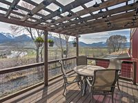 Modern rustic with amazing views!