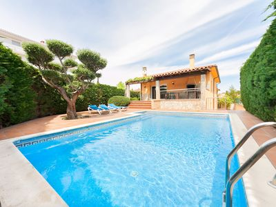 Photo for This 6-bedroom villa for up to 13 guests is located in L'Escala and has a private swimming pool and