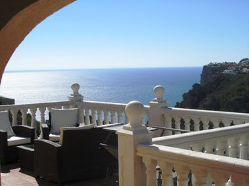 Large new villa with swimming pool, terraces and panoramic sea views