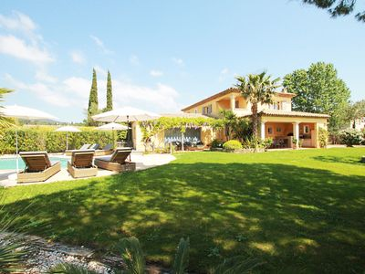 Photo for Air-conditioned Provencal villa with heated swimming pool in Grimaud.