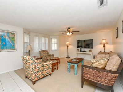 Photo for 2 miles from World Famous Siesta Key - Sleeps 6 - Spacious and Clean Home