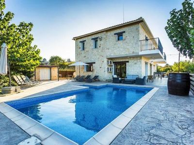 Photo for Villa, Droushia inklusive Mietwagen  in Um Paphos - 8 persons, 4 bedrooms