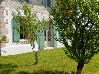 Photo for Delightful gite with private pool, large garden great for families and couples.