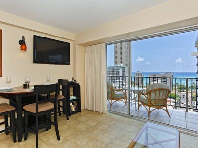 Photo for Sweet Ocean View, central A/C, 5-10 min. walk to beach!  Sleeps 4.