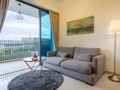CHARMING 2 BR IN GATEWAY DRIVE, JURONG EAST