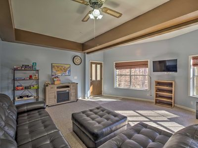 Photo for NEW-Maryville Apt 30 Min to DT Knoxville & Smokies