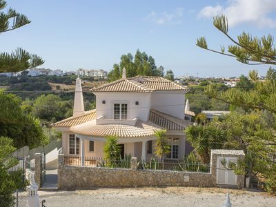 Photo for Quiet hilltop location, superb views over the Algarvean countryside and ocean