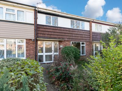 Photo for 5-bedroom house Sleeps 8 near Science Park, North Cambridge station with parking