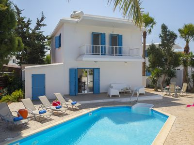 Photo for 3 Bedrooms Villa in Ayia Thekla