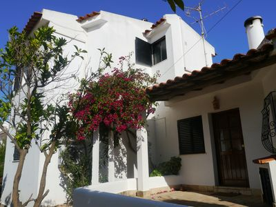 Photo for Traditional, Spacious Villa in Tavira with Private Pool and Sea Views