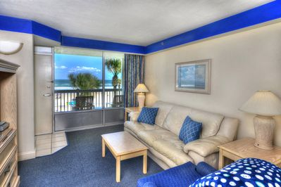 Daytona Beach Resort Oceanfront Sleeps 6