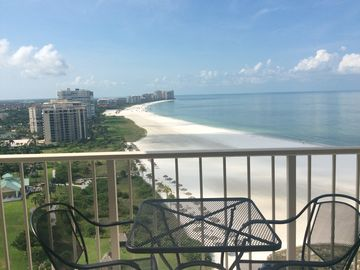 Best Value in 2 Bedroom Beachfront Highrise Condo with Views!