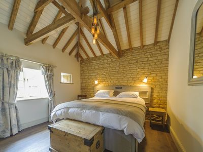 Photo for 1BR Cottage Vacation Rental in Stamford, England