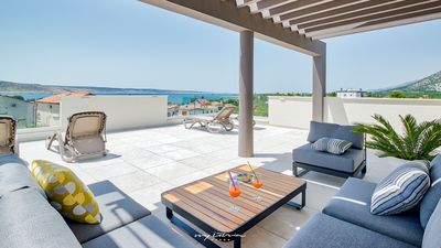 Photo for Beautiful villa for large groups near the sea