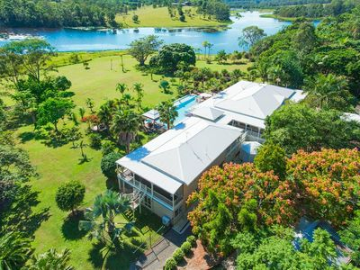 Photo for The Lake House Retreat - 15mins from Noosa