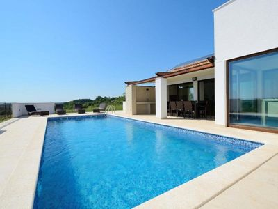 Photo for Holiday house Gracisce for 6 - 8 persons with 3 bedrooms - Holiday house