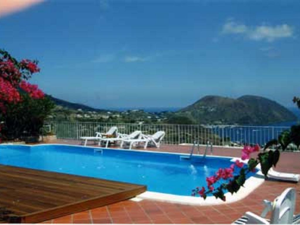 Beautiful Apartment With Pool And Sea Homeaway Lipari