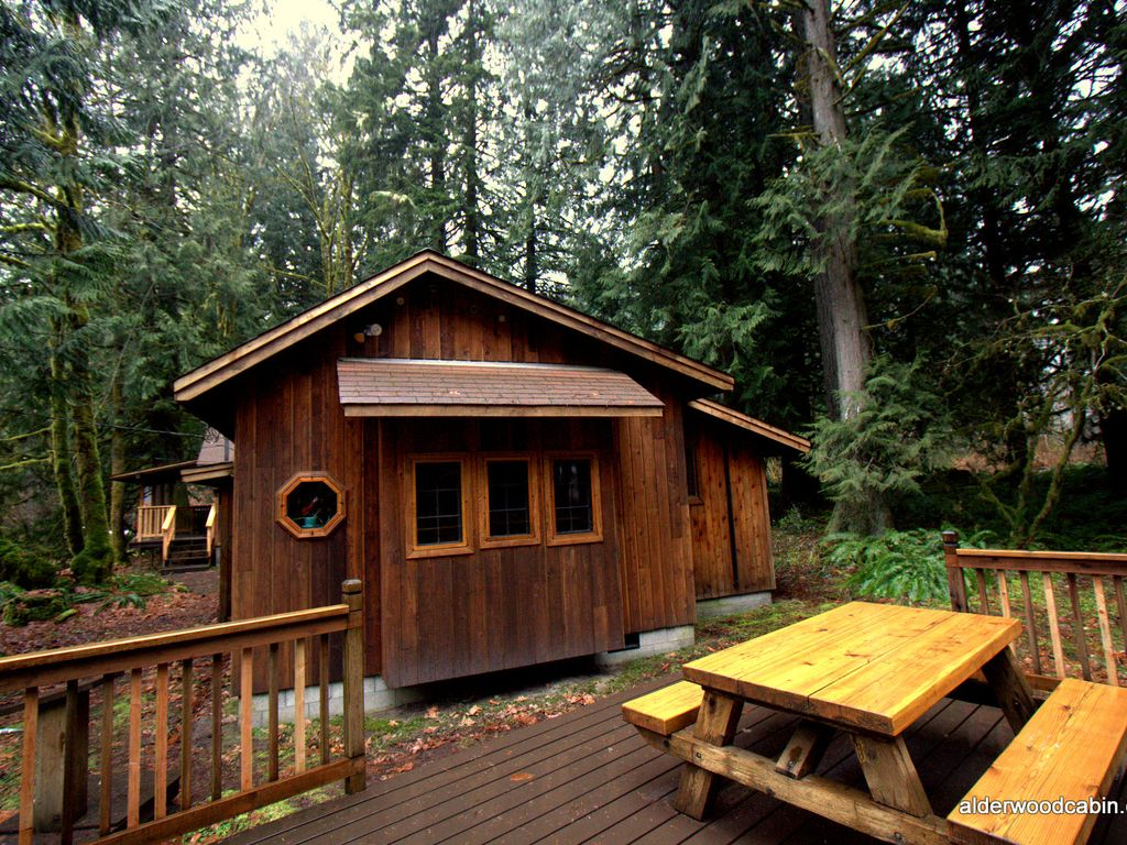 Romantic private mt hood cabin with wood burning stove for Romantic cabins oregon